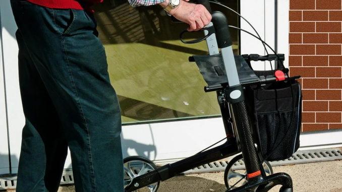 Rollstühle und Rollator