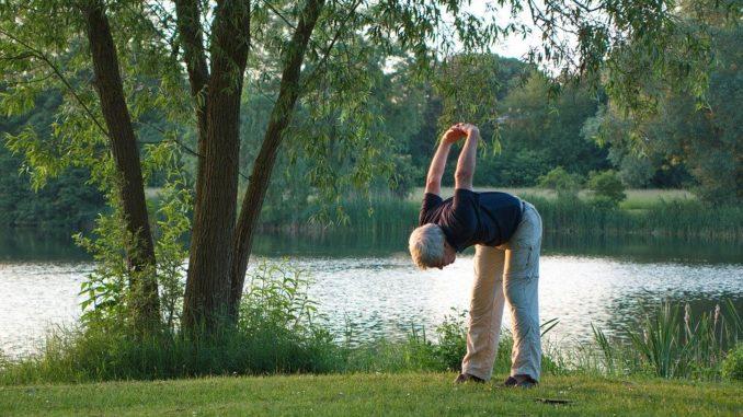 Bewegungsspiele für Senioren – spielerisch in Bewegung bleiben