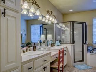 Badezimmer-Hilfen für Senioren für mehr Mobilität im Alltag