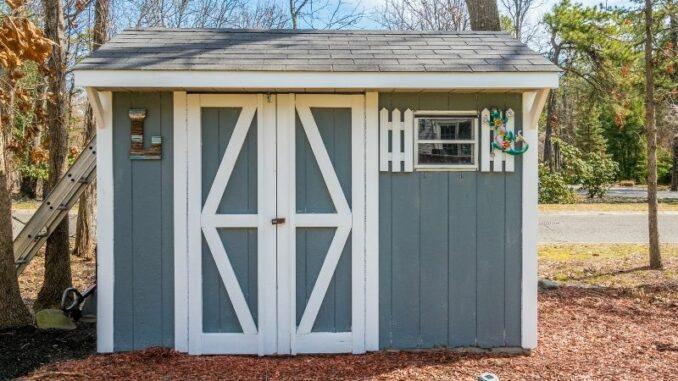 Im Alter entspannt leben mit einer passenden Gartenhütte auf einem stabilen Fundament